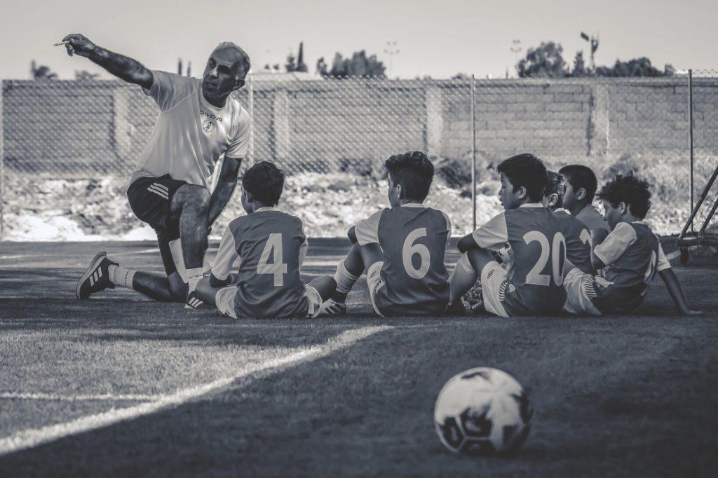 10 claves para liderar un equipo de fútbol de forma eficiente